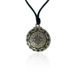 shree yantra metal pendant
